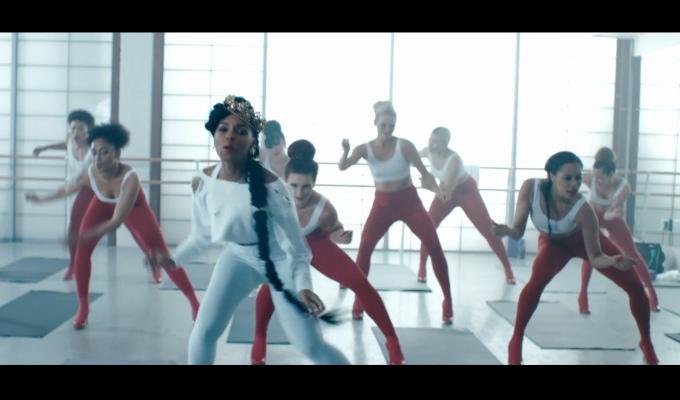 Janelle-Monae-Jidenna-Yoga2